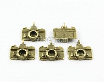 10Pcs 14x15mm Antique Brass Camera Charm Pendant (PND003)