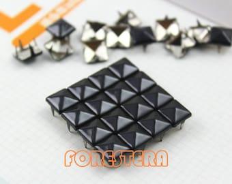 100Pcs 8mm Black Color PYRAMID Studs (C-BL08)