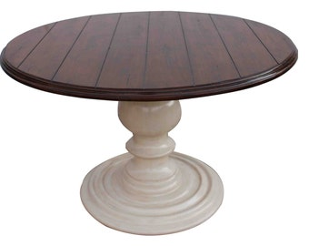 New Haven Round Dining Table