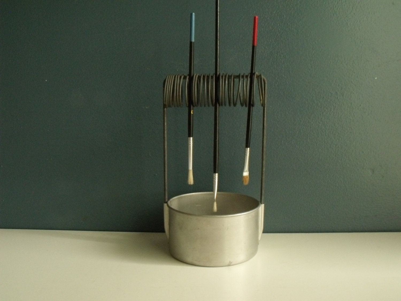 Clever Paint Brush Holder Cleaner Well Aluminum Artist Painter