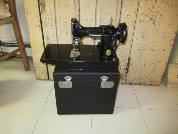 reserved for JIMBO0610  Singer Featherweight Sewing Machine. w case /  keys and attachments.