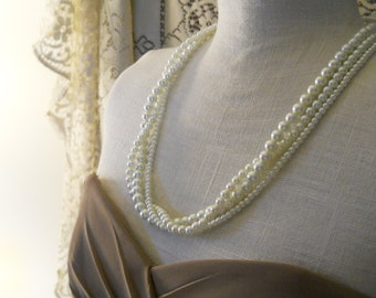 Long Length Twisted Pearl Necklace Three Strand Long Pearl Necklace Bridal Pearl Jewelry Ivory Wedding Necklace Jumbled Pearl Necklace