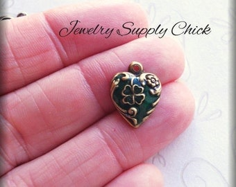 Enameled Shamrock charms (x6)