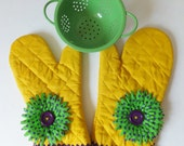 Yellow Oven Mitt Set,  Insulated Hot Pad, Yellow and Purple Kitchen