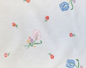 Mid Century Vintage Linen Dresser Scarf, Table Runner