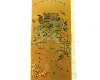 Vintage Gold Case Compact Midcentury Cigarrette Case Alaskain Map Souvenir Case  Mens Cigarrette Holder Tobacciana Collector
