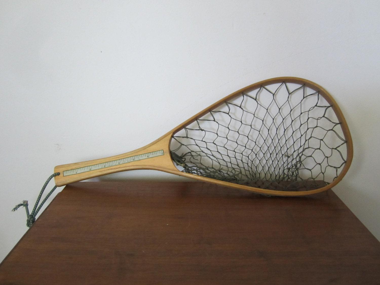 Vintage ed cumings wooden fishing net for Wooden fishing net