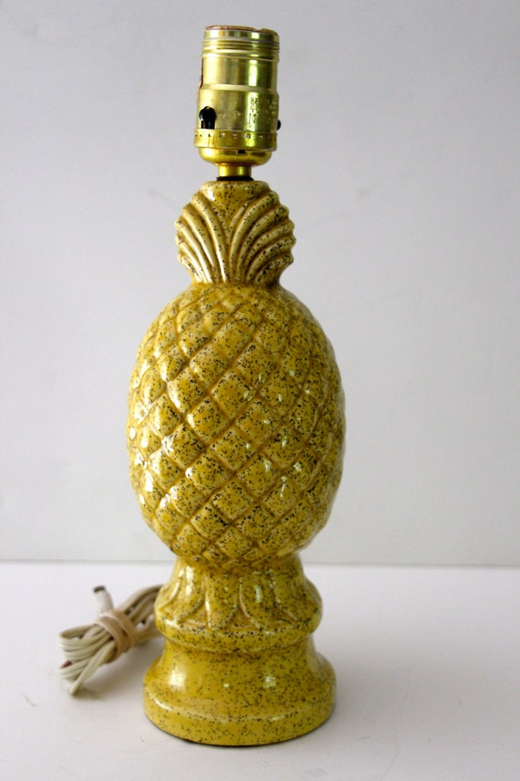 Vintage Yellow Speckled Ceramic Pineapple Lamp