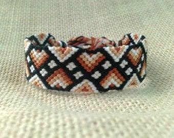 Friendship Bracelet - Brown, White & Black Zig Zag Pattern