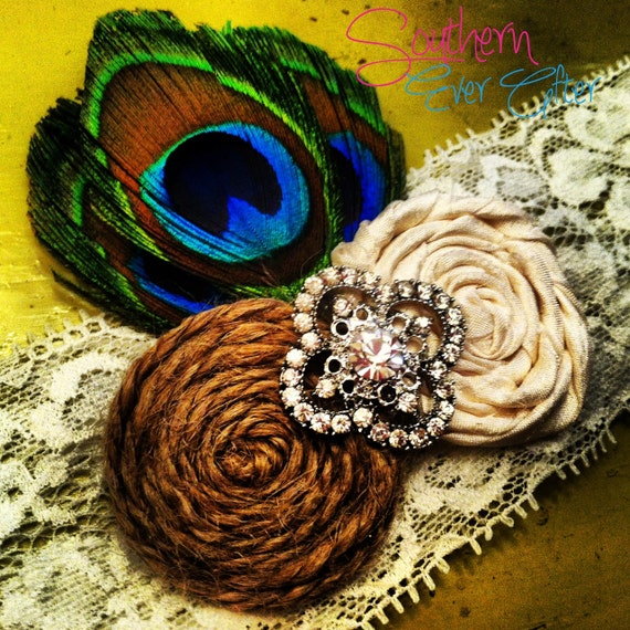 The GRAND PEACOCK Wedding Garter / Vintage Inspired Wedding garter / Garter Set / bridal garter / toss garter / Something Blue