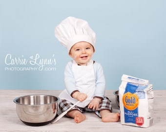 BABY- TODDLER  Chef Hat and APRON Set - PhotoProp - Costume - in 3 sizes.