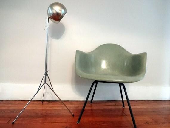 Rare Vintage Mid Century Modern Chrome Tripod Ball Floor Lamp