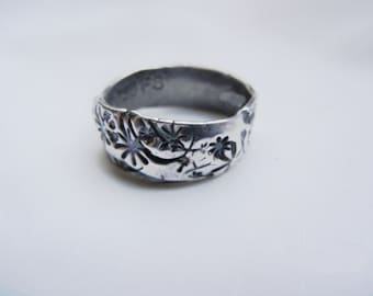 Rustic Womans Wedding Ring. Simple floral wedding ring. Fine Silver 99.9, Christian Jewelry Original, Boho and organic in irregularity.
