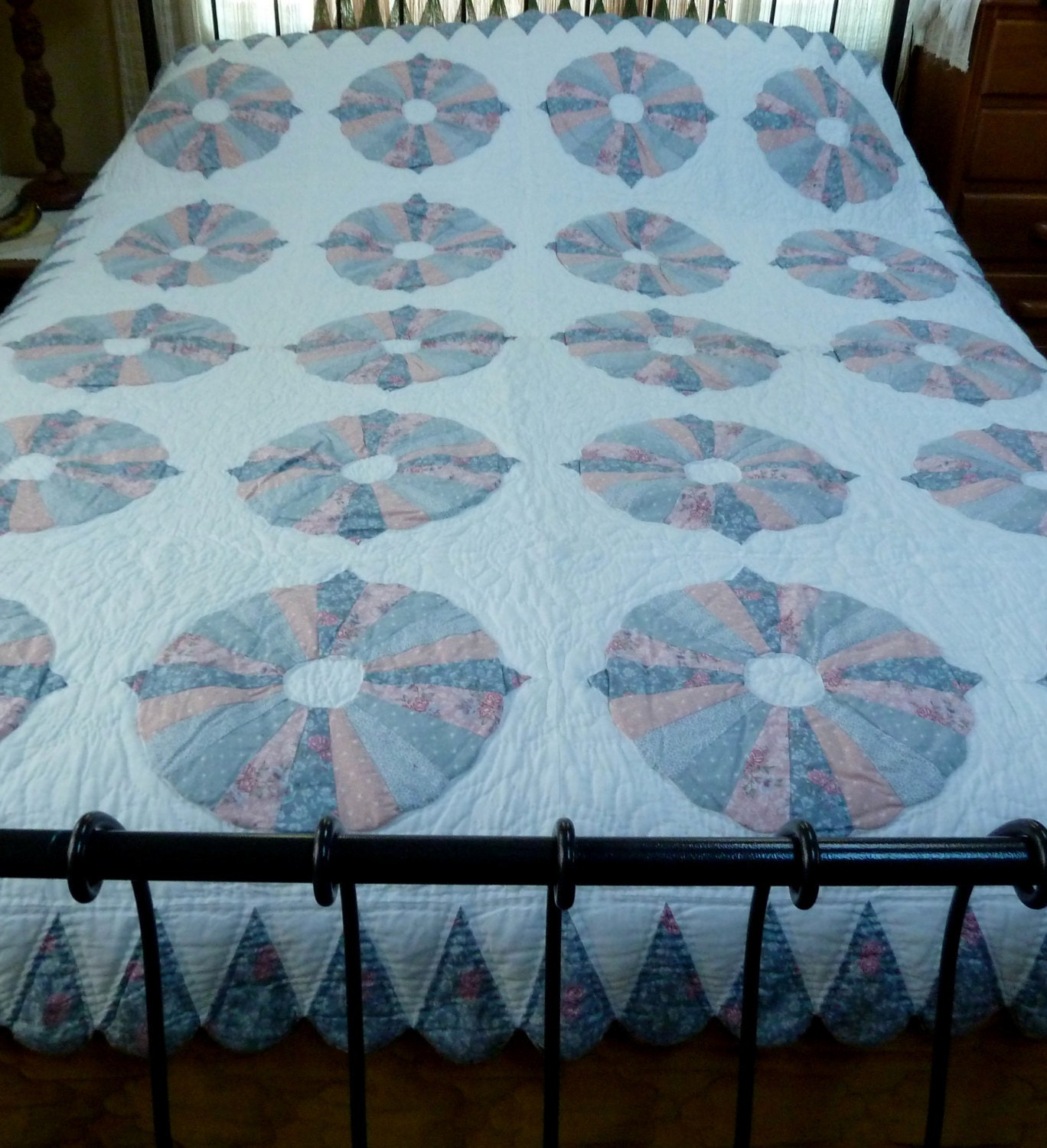 Vintage 1980 S Dresden Plate Arch Twin Quilt By Hipvintagesoul