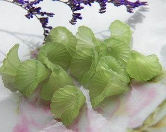 12mm Fern Green Ruffled Calla Lily Frosted Acrylic Flower Beads, 12 PC (INDOC8)