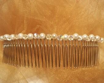 Bridal Hair Comb - Crystals and Pearls - Bridal Tiara - Bridal Veil Accent