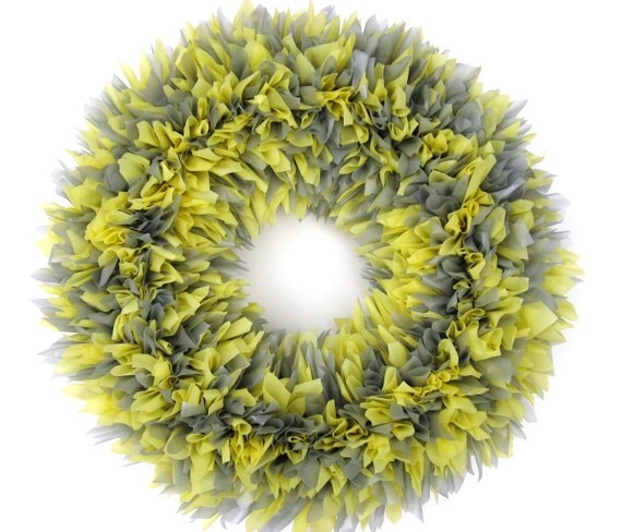 "The Indoor/Outdoor Zinnia Wreath in Butter Yellow and Gray --- 16"" Round"