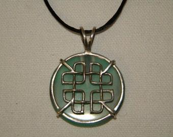 Celtic knot agaet pendant