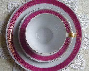 Dark Pink Berry Colored Band - Embossed White Bisque - Gold Lace - 1960s Vintage - TEACUP, SAUCER & PLATE - Kahla, Thuringia, Germany