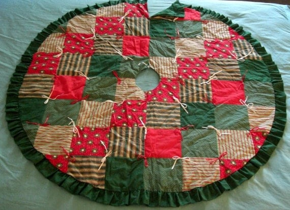Vintage christmas tree skirt patchwork quilted from