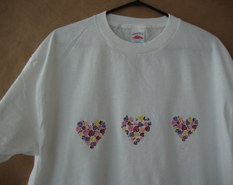Ladies Tshirt embroidered with bouquets of roses