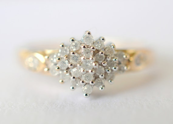 1970's vintage / 9k gold and 0.25 carat diamonds / engagement ring // ENGAGED