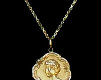 "Antique Art Nouveau 18k Yellow Gold Hinged Locket - Signed ""CD"" c. Late 1890's"