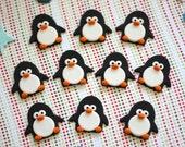 Fondant penguin topper. Penguin fondant cupcake. Edible penguins. Winter wonderland party. Winter wonderland fondant. Penguin cake topper.