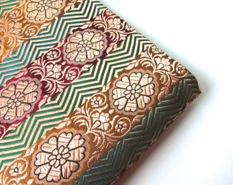 Colorful silk brocade green yellow red gold flower India fabric nr 119 fat quarter