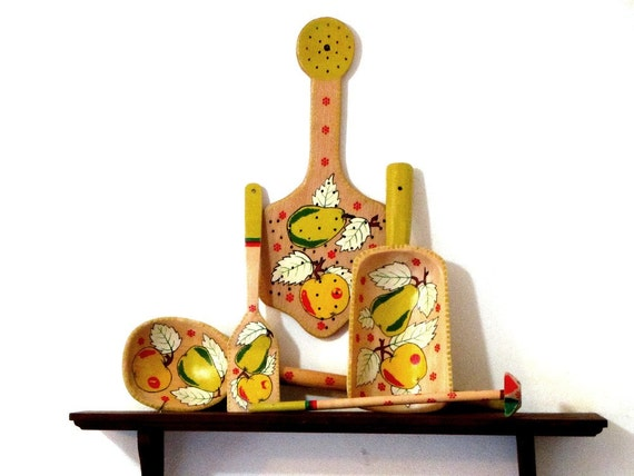 Wooden 5 Piece Hanging Utensils Bright Yellow Apples By