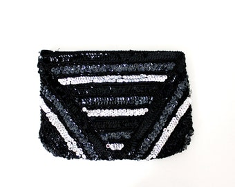 On Sale! Vintage Zippered Purse with Sequins and Beads