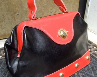 Vintage Mod Red & Black Vinyl Handbag c 1980