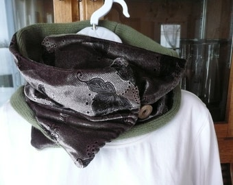 50 % reversible Sandy purple  and green neck Warmer scarf