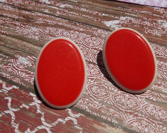 Red And White Eighties Pierced Earrings.