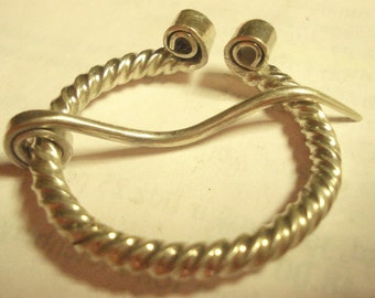 The Horse Shoe Brooch with Wound Ends (sterling)