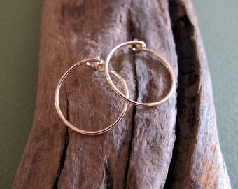 Small Hoop Earrings - 14k Gold Filled Hoops - Gold Hoop Earrings for everyday wear - Everyday Hoop Earrings / Elegant Jewelry / Classic