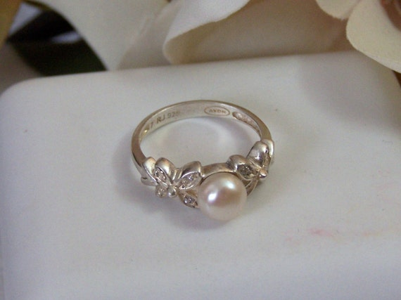 Avon Sterling Amp Pearl Ring Genuine Gemstone Thick Floral