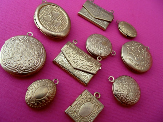 mixed set 10 x brass lockets, pendants,charms, jewelery findings,vintage style lockets