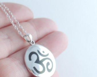 OM Pendent Sterling Silver Jewelry, Silver Jewelry, OM jewelry, Yoga, Silver Jewelry, Silver, Jewelry, Trending, Necklace, OM Pendent,