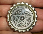 silver pentagram bottlecap pin with celtic knotwork pagan wicca witch goth