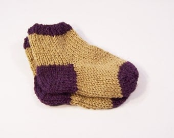 Handknitted  Pair of Babies  Socks, 0-6 months, Wool Socks for Babies, UK Seller