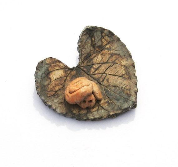 ceramic leaf with snail