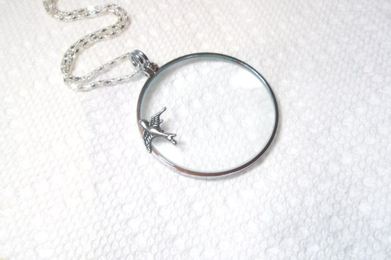 Magnifying necklace -perl  Monocle Magnifying Glassnecklace - Bee magnifying glass  pendant ,bronze Monocle Magnifying