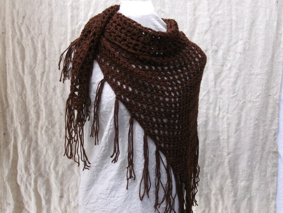 Crochet triangle scarf shawl brown with fringe