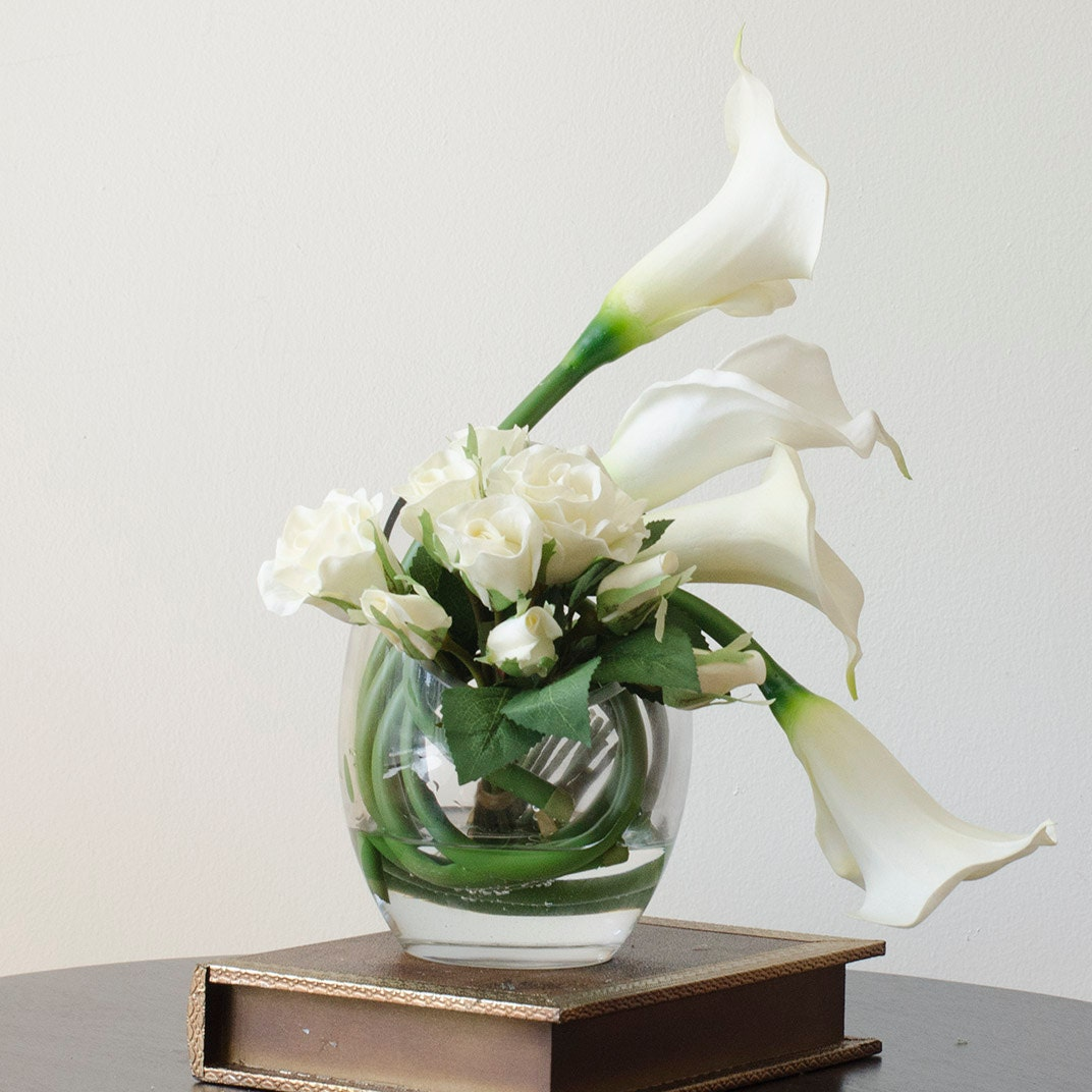 Real touch calla lily arrangement with white ivory