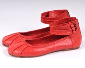 MUSE. Leather ballet flats / red leather flats / red leather shoes / red shoes. Sizes 35-43. Available in different leather colors.