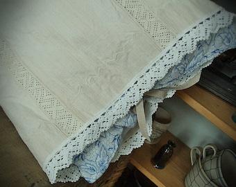 Cushion antique Transylvanian linen, plain sewing, linen embroidery, pillow