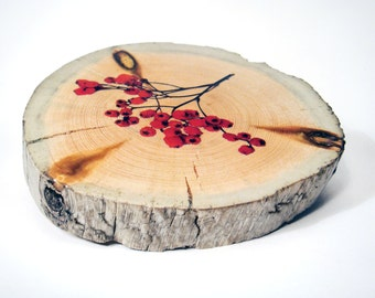 Wooden coaster with rowan berries. Icelandic driftwood. Mug, vase coaster. Wood coaster.