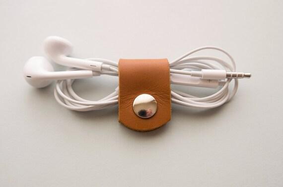 Rangement Clip Ecouteurs Attache Câbles de Charger et USB en Cuir Marron