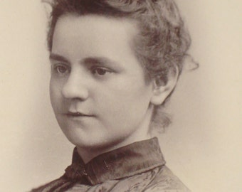 Vintage Photograph - Young Girl - Victorian 19th Century - Antique Retro Decor